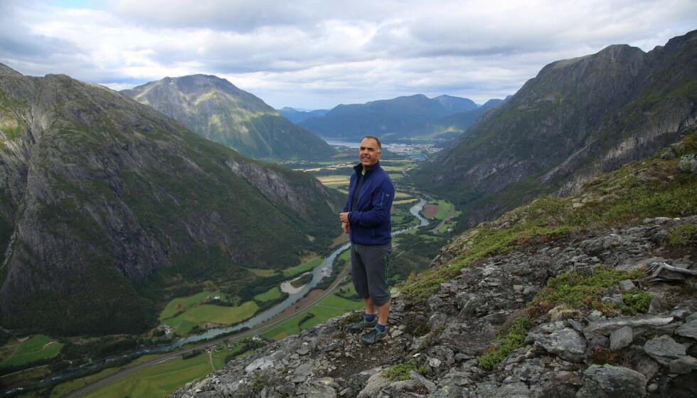 Starten: Romsdalseggens far, fjellklatrerlegenden Fred Husøy, ante neppe hva han startet da han navnga den populære fjellruta. Foto: Odd Roar Lange/The Travel Inspector