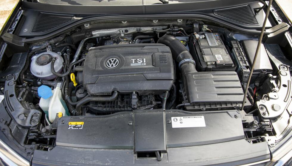 SJEKK LEVETIDEN: Et bilbatteri har en levetid på omkring fem år, men det er avhengig av vedlikeholdet og bruk av bilen. Illustrasjonsfoto: Tore Meek / NTB Tema