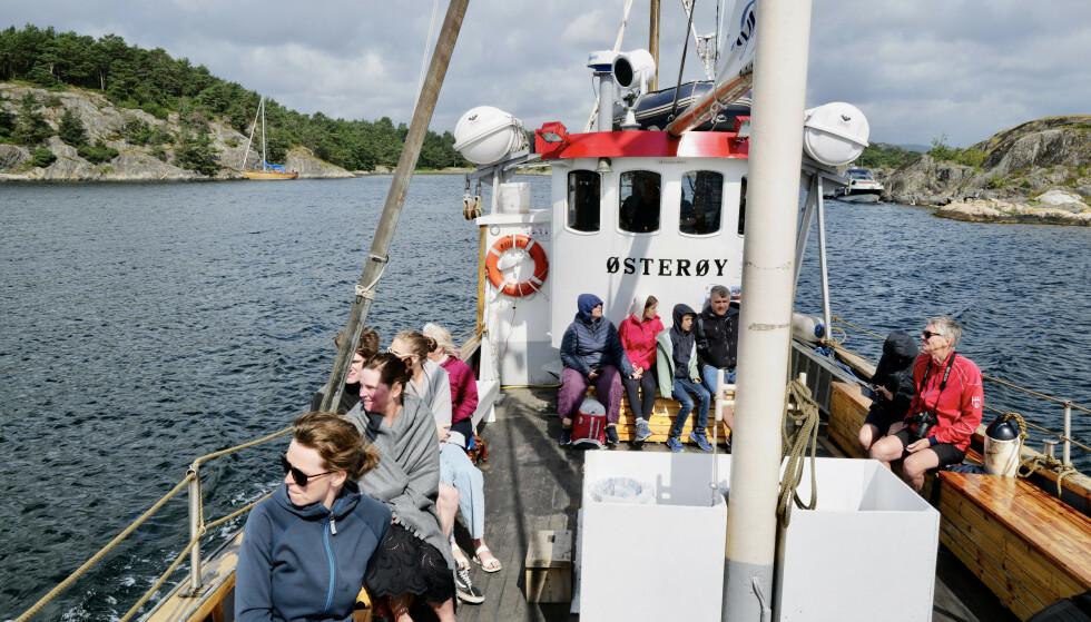 Populært: Sørlandet er også denne sommeren en vinner når det gjelder besøk og omsetning blant turister. En guidet fjordtur med M/B Østerøy i Grimstadskjærgården er en av de populære aktivitetene. Foto: Odd Roar Lange/The Travel Inspector