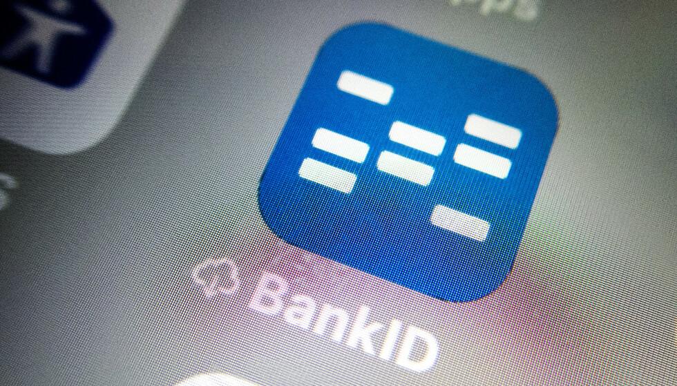 Telenor-kunder kommer seg ikke inn i mobilbanken gjennom BankID på mobil. Foto: Gorm Kallestad / NTB