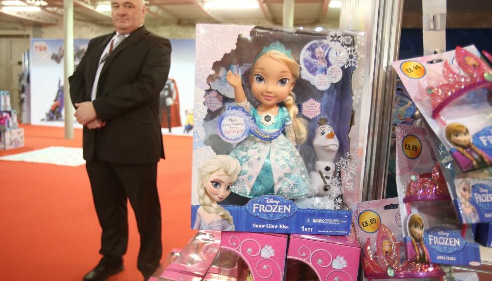 KAN BLI DYRERE: Elsa fra «Frost» er nok populær under treet, men i år kan figuren bli dyrere. Ilustrasjonsfoto: NTB