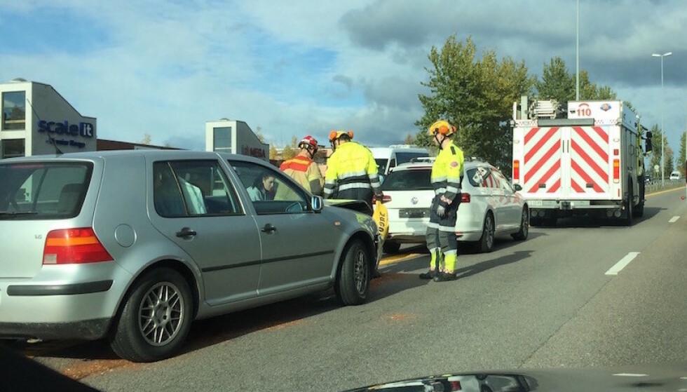 IKKE VÆR NERVØS: Tallene fra forsikringsselskapene viser at det ikke er flere ulykker i trafikken fredag 13. enn en vanlig fredag - heller færre. Bildet viser imidlertid en typisk fredagsbulk. Foto: Rune Korsvoll