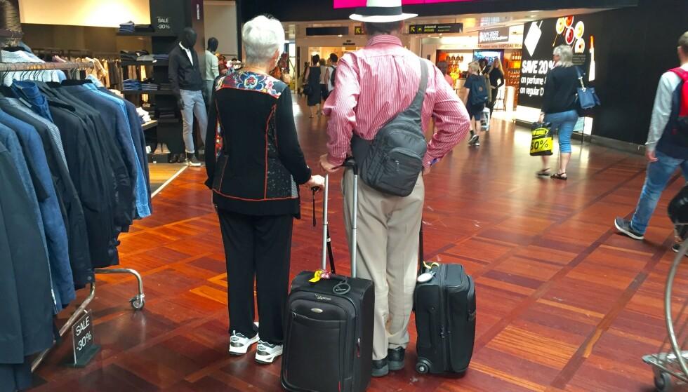 Full stopp ved gaten: Det er slett ikke sikkert at trillekofferten din får være med opp i bagasjehylla i flyet. Foto: Odd Roar Lange / The Travel Inspector