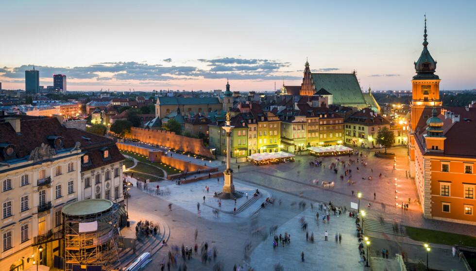 GRØNT: Polen er ett av fem land som fortsatt er grønt på smittekartet, her fra Warszawa. Foto: Cinematographer / Shutterstock / NTB