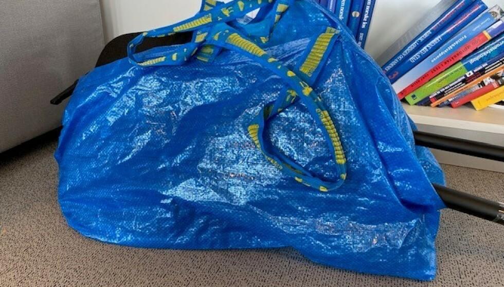 FRAKTA-FORVIRRING: Ikea skrev at denne trofaste blå skulle få en makeover. Foto: Kamilla Thoresen