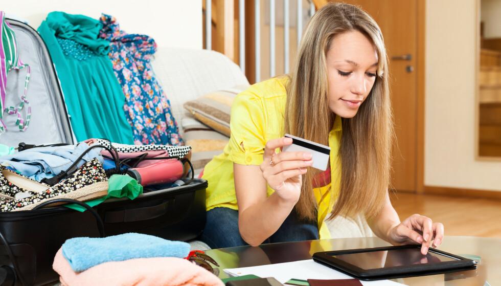 OPPGJØRETS TIME: Ferien er over og det er på tide å betale for moroa, hvis du har reist på kreditt. I saken under kan du lese om hvor mange som har sprengt feriebudsjettet i år, og om vi er forberedt på kredittregninga. Foto: Shutterstock/NTB