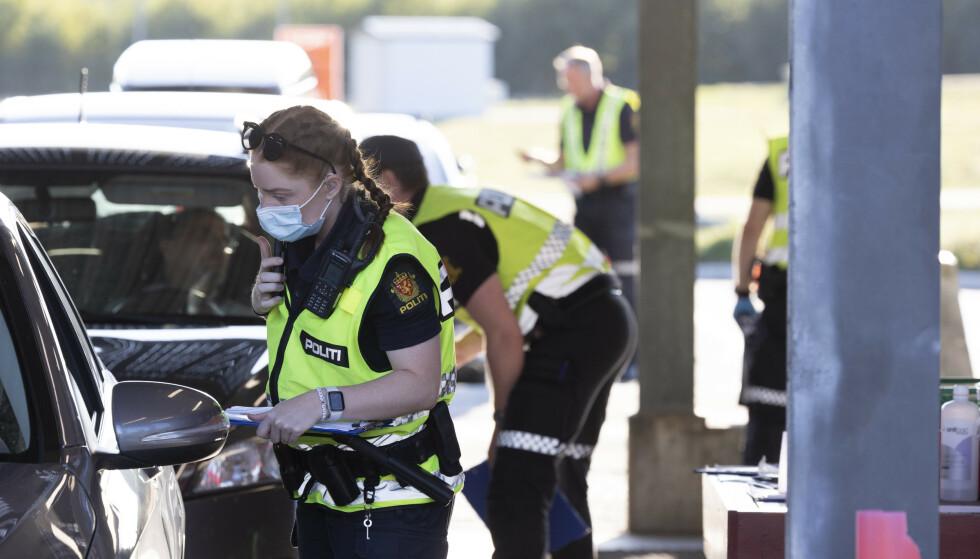 Svinesund 20210831. Politiet sjekker persontrafikken på Svinesund.Foto: Tor Erik Schrøder / NTB