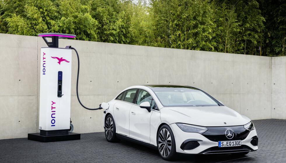 EN BIL FOR MANGE: Mercedes EQE vil bli en svært spennende bil for det norske markedet når den kommer neste sommer. Foto: Daimler