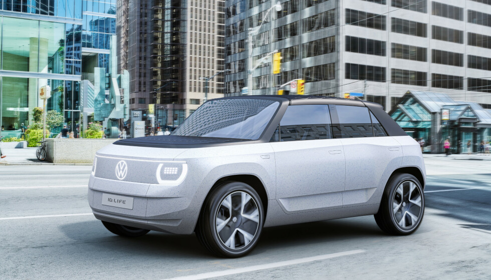 LITEN OG SMART: VWs nye lille elbil får navnet Life, er bygget med mye resirkulerte materialer og får en sterk elmotor foran. Foto: VW