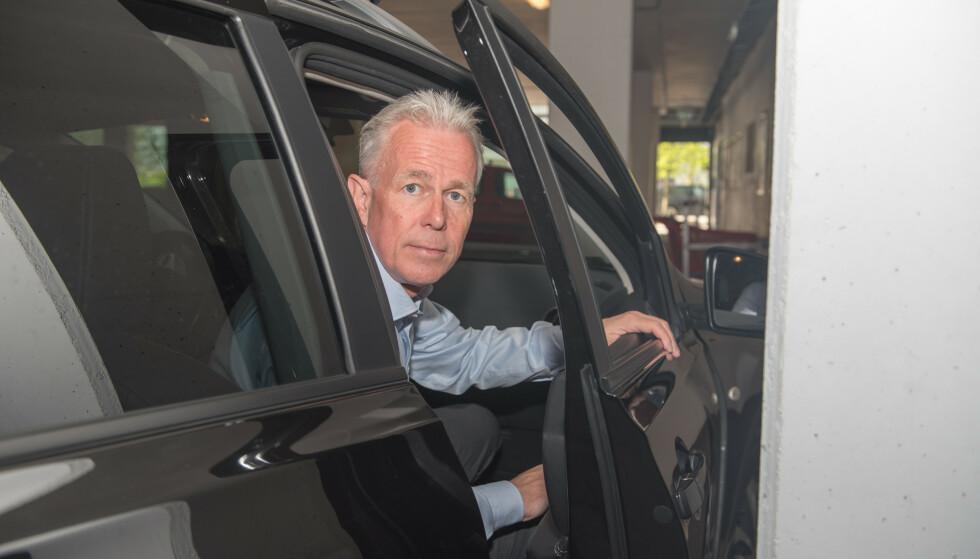 BRYTER FARTSGRENSEN: - Dersom du skal slå tidspunktet navigasjonen i bilen har beregnet for ankomst, må du som regel bryte fartsgrensen, sier Arne Voll, kommunikasjonssjef i Gjensidige. Foto: Gjensidige
