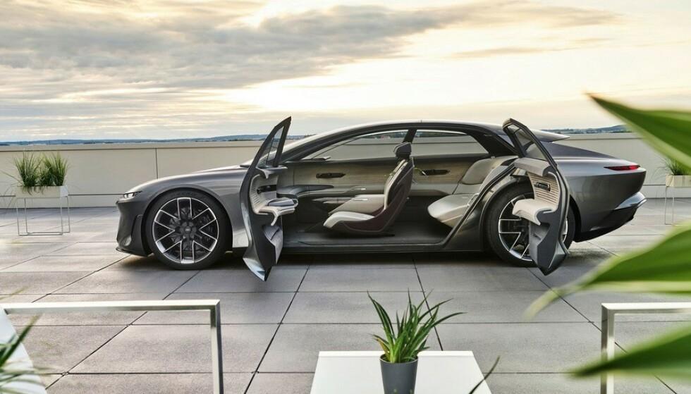 SPENNENDE: Skal vi tro de konseptbilene som de store bilprodusentene nå ruller ut, blir neste generasjon elbiler svært spennende. Dette er Audis grandsphere Concept. Foto: Audi