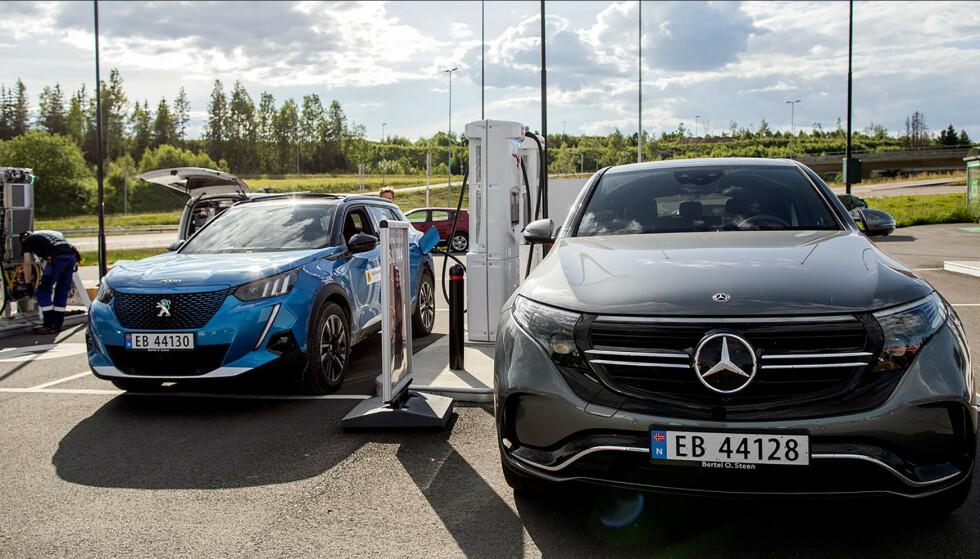 """""""ALLE"""" KJØPER ELBIL: Økt rekkevidde og flere nye modeller gjør at nesten alle privatkjøpere nå velger elbil. Bildet er fra rekkevidde-testene som MAF gjør på elbiler: Foto: NAF"""