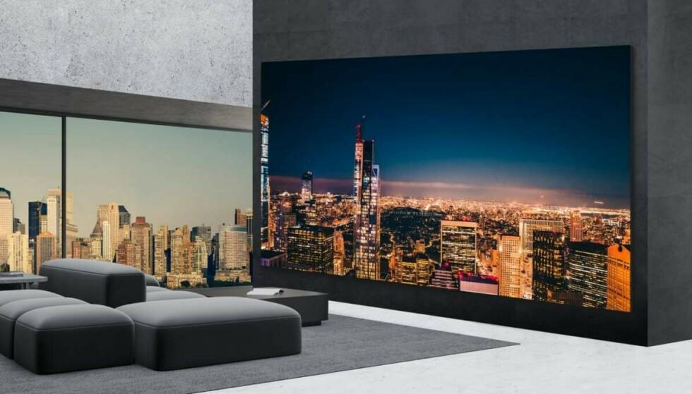 65 tommer blir plutselig ikke lenger så gjevt etter å ha sett LGs enorme TV-er. Foto: LG
