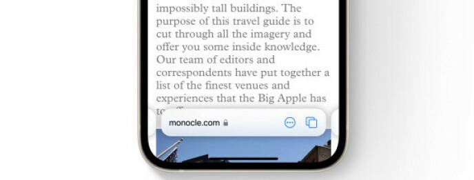 Safari krijgt nu de adresbalk onderaan - je kunt deze opzij schuiven om naar het volgende tabblad te gaan.  Foto: Appel