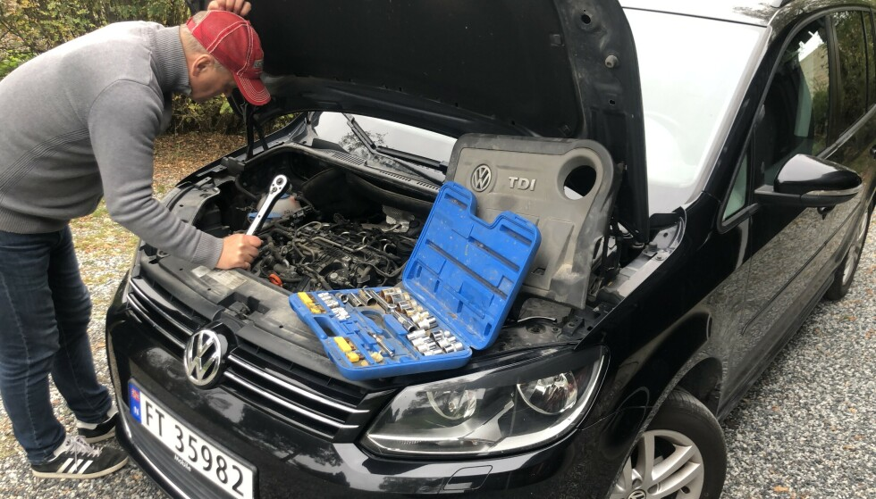 DYRE BRUKTBIL-FEIL: Noen dyre feil på brukte biler er vanskelig å avsløre. Dersom EGR-ventiler for eksempel er tett, kan det koste deg 20 000 kroner. Foto: Rune Korsvoll