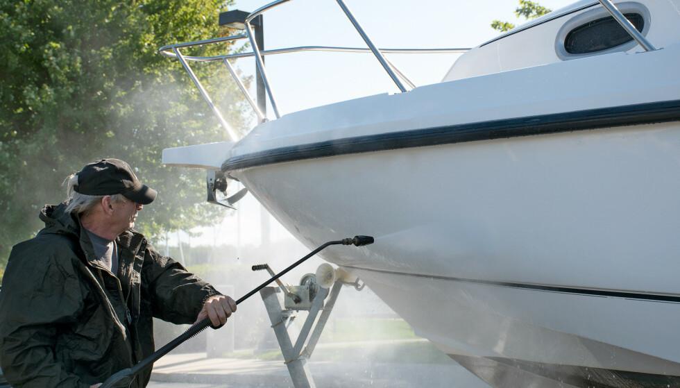 VINTERLAGRING: Det er flere ting du bør tenke på når du skal gjøre båten klar til vinterlagring. Foto: Fremtind