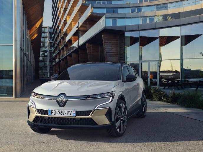 MANGE UTGAVER: Megane E kommer i flere utgaver med batterier på 40 eller 60 kWt, motorer på 130 eller 220 hester og flere typer ladere. De billigste kommer overraskende nok uten hurtiglader. Foto: Renault