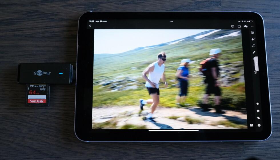 Det er veldig enkelt å overføre bilder til iPad mini og redigere dem i apper som Lightroom. Foto: Martin Kynningsrud Størbu