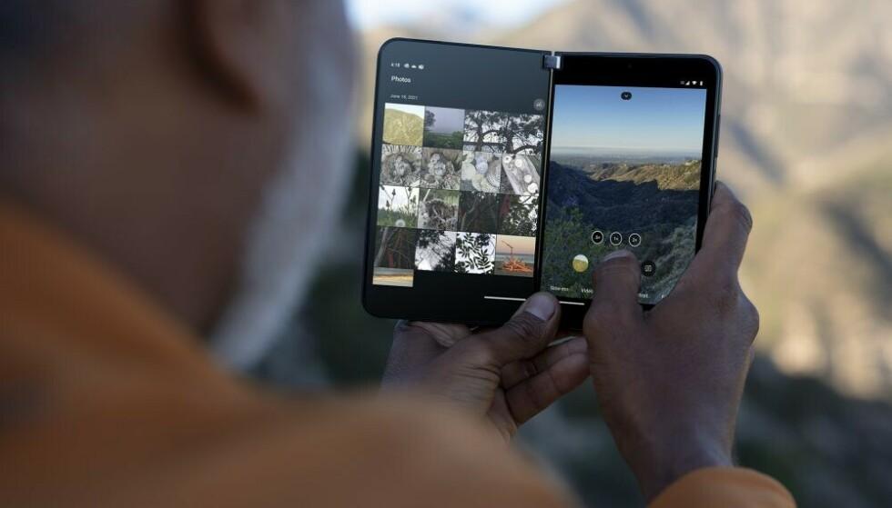 Surface Duo 2 heeft twee aparte 5,8-inch schermen.  Foto: Microsoft