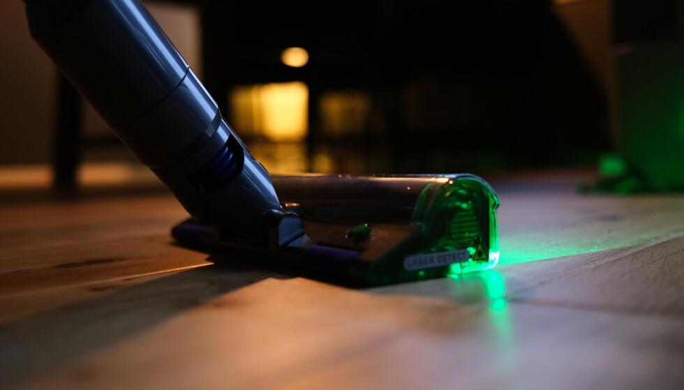 DYSON V15: Det grønne laserlyset er en kjærkommen nyhet. Foto: Martin Kynningsrud Størbu