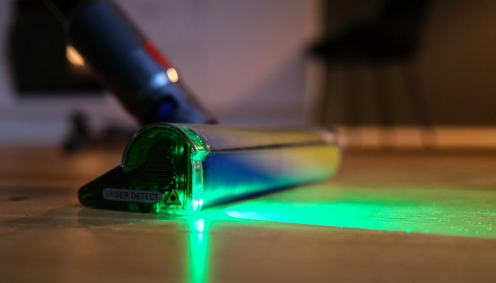 Dette har vi venta på. Endelig har også Dyson integrert lys i en av sine batteridrevne støvsugere. Foto: Martin Kynningsrud Størbu