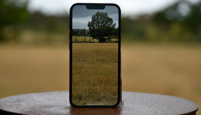 ZOOM: iPhone 13 Pro har 3x optisk zoom. Det ekstra objektivet mangler på iPhone 13. Foto: Pål Joakim Pollen