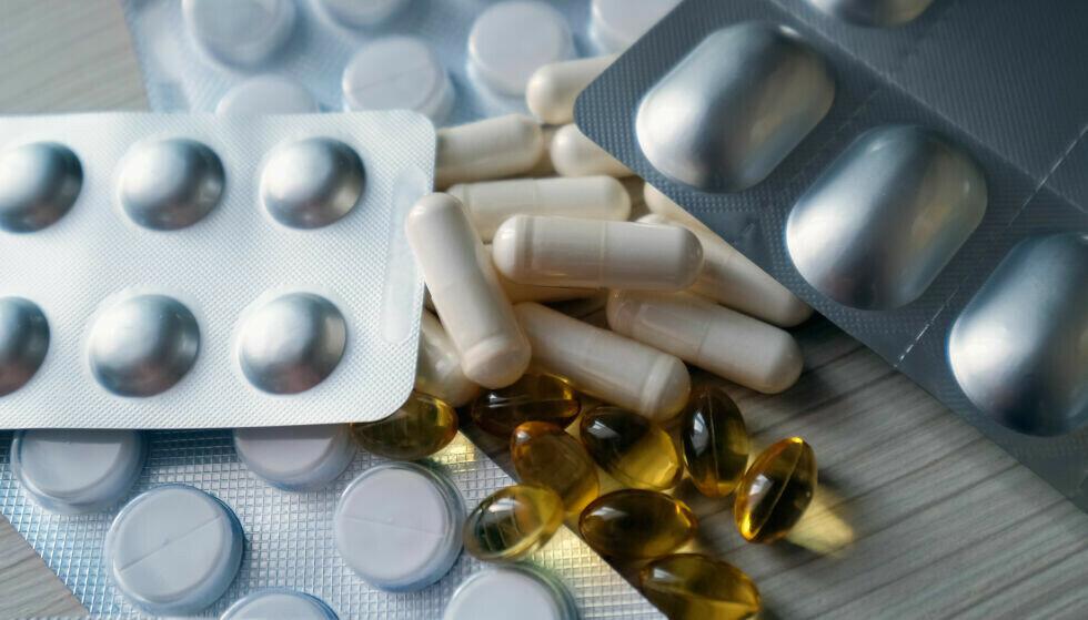 PASS PÅ: Det finnes eksempler på at kosttilskudd blir tilsatt legemidler for å oppnå kraftigere effekt, advarer Mattilsynet. Foto: NTB