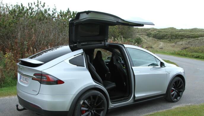 TESLA X VINNER: Foreløpig slår ingen Tesla Model X når det gjelder å trekke henger. Den er godkjent for henger på 2 250 kilo. Foto: Rune Korsvoll