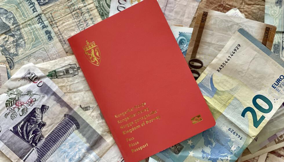 UT PÅ TUR: Med det norske passet kan du reise mye uten visum. Men - husk coronasertifikatet. Foto: Odd Roar Lange/The Travel Inspector