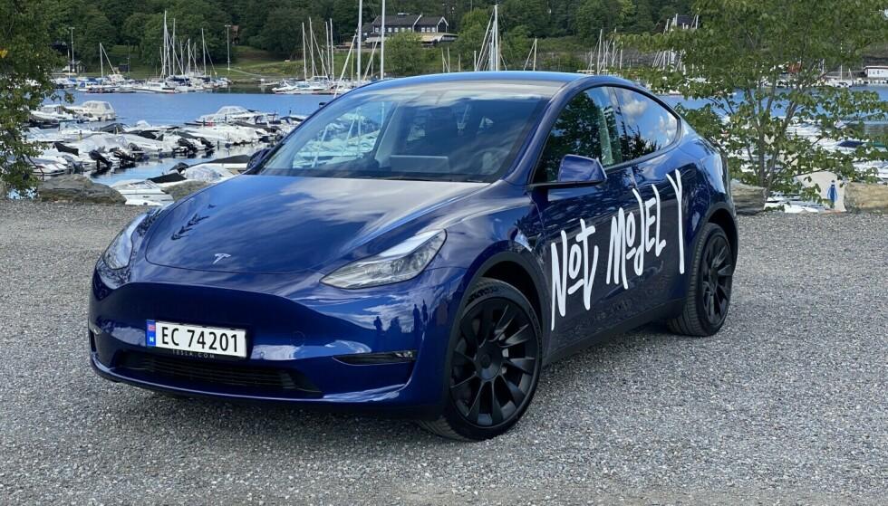 TESLA MODEL Y: Tesla topper salgsstatistikken både i Norge og på verdensbasis. Foto: Fred Magne Skillebæk/Elbil24