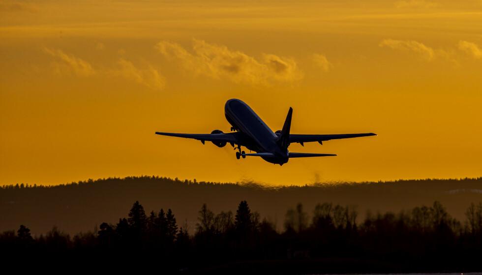 Da pandemien kom, ble det spådd at flyprisene ville skyte i været etter koronakrisen. Nå selges flybilletter til ned mot en femtilapp. Foto: Håkon Mosvold Larsen / NTB