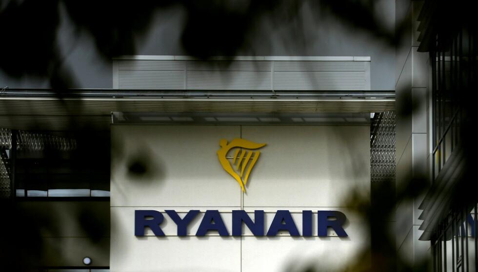 SVARTELISTET: Kunder som har fått refundert billetter via kredittkortselskapet bannlyses nå hos Ryanair med mindre de betaler tilbake. Foto: Clodagh Kilcoyne/Reuters/NTB