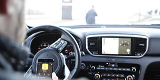 Image: Ser film mens de kjører