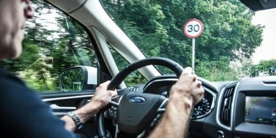 Image: NÅ: Fartssperre i alle nye biler