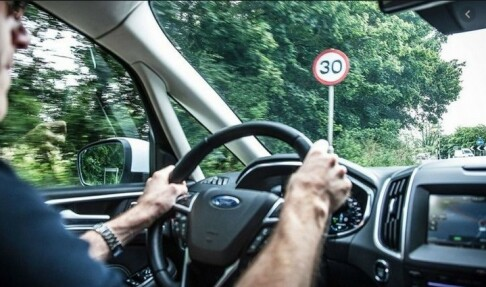 Image: Alle nye biler får «fartssperre»